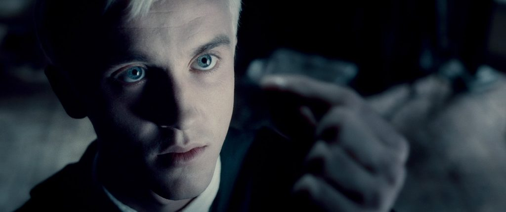 """Jak się można było nie zakochać wtych oczach?, kadr zfilmu """"Harry Potter iKsiążę Półkrwi"""", reż. David Yates, 2009."""