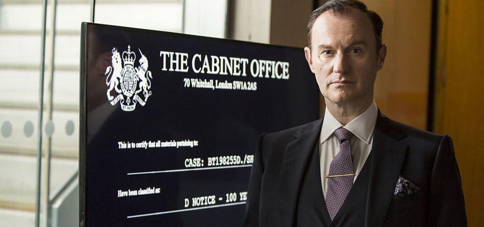 """Przegięliście, panowie. Mark Gatiss jako Mycroft, """"Sherlock"""", 2017."""