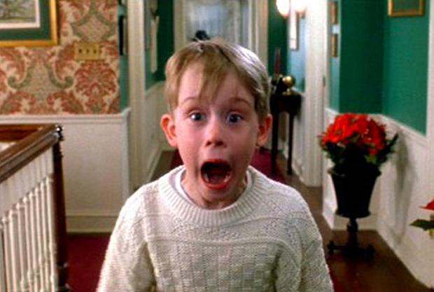Przekleństwo Culkina. Kadr zfilmu <em>Kevin sam wdomu</em>, reż. Chris Columbus, 1990.
