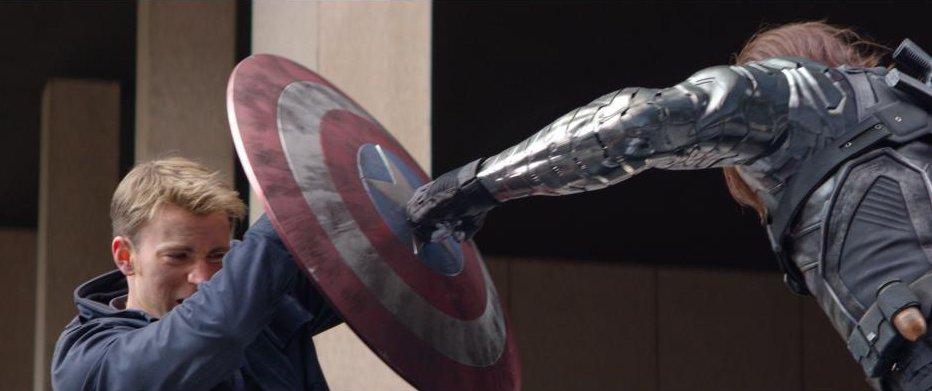 Kadr zfilmu <em>Kapitan Ameryka: Zimowy Żołnierz</em>, reż. Anthony iJoe Russo, 2014.