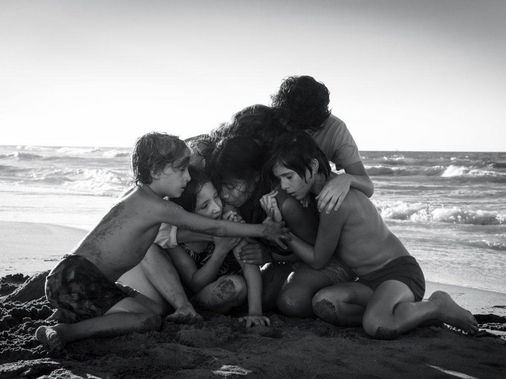 Kadr zfilmu <em>Roma</em>, reż. Alfonso Cuaron, 2018.