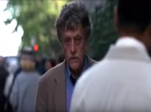 Kurt Vonnegut wfilmie <em>Matka noc</em>, reż. Keith Gordon, 1996.