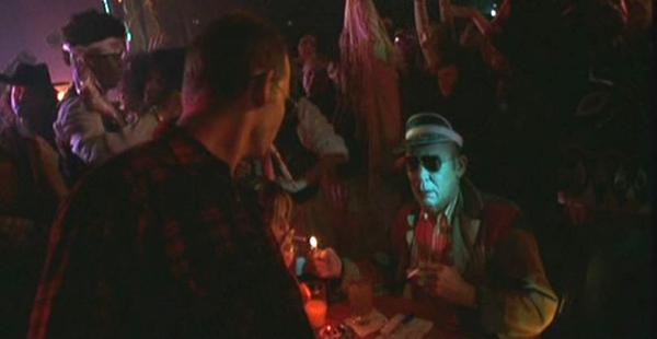 Hunter S. Thompson wfilmie <em>Las Vegas Parano</em>, reż. Terry Gilliam, 1998.