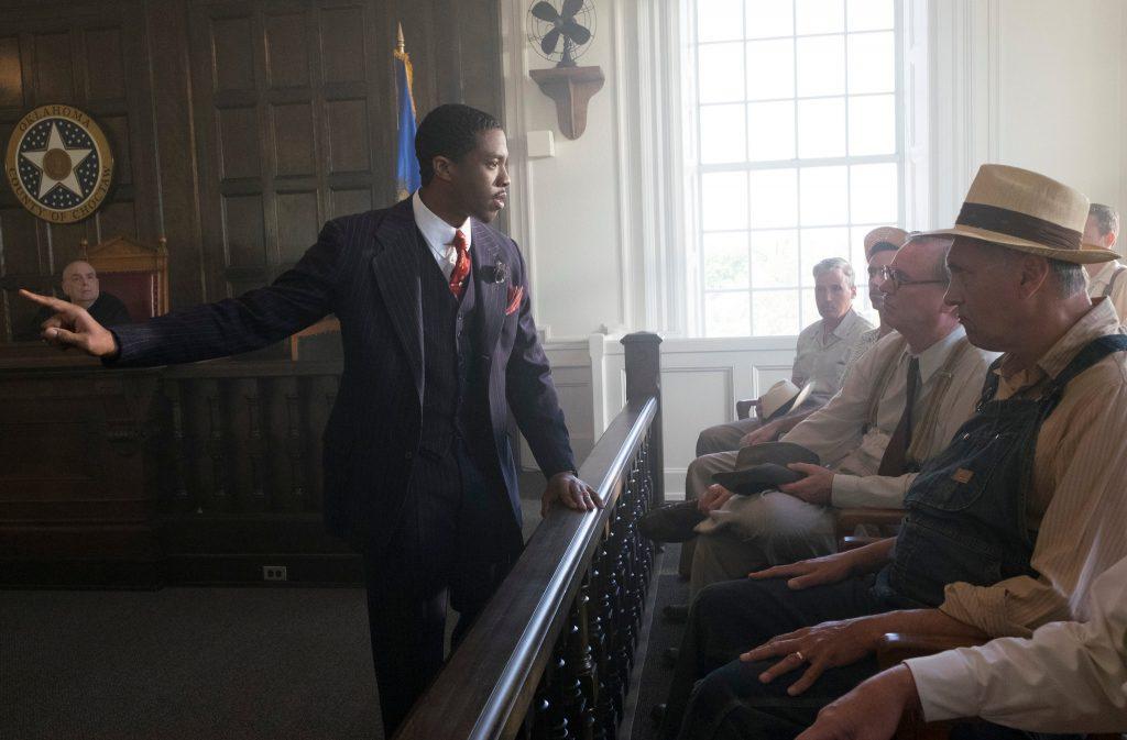 Boseman jako Thurgood Marshall wbiograficznym filmie <em>Marshall</em>, reż. Reginald Hudlin, 2017.