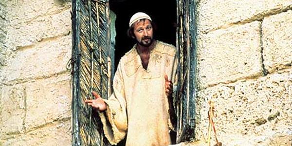 Kadr zfilmu <em>Żywot Briana</em>, reż. Terry Jones, 1979.